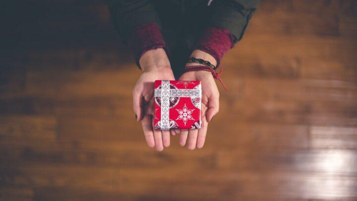 Guide: Sådan finder du den perfekte gave til kæresten!